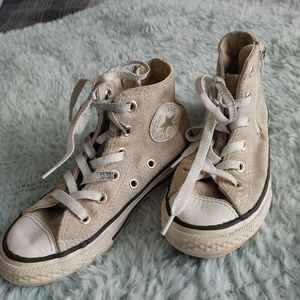 Juniors size 12 converse shoes